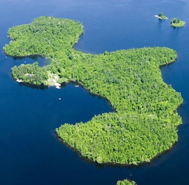 Strand Island