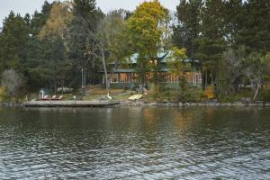 Cabin from Water 2